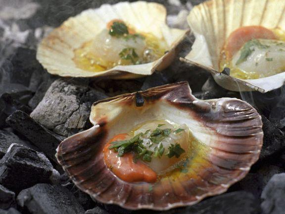 Gegrillte Jakobsmuscheln ist ein Rezept mit frischen Zutaten aus der Kategorie Muscheln. Probieren Sie dieses und weitere Rezepte von EAT SMARTER!