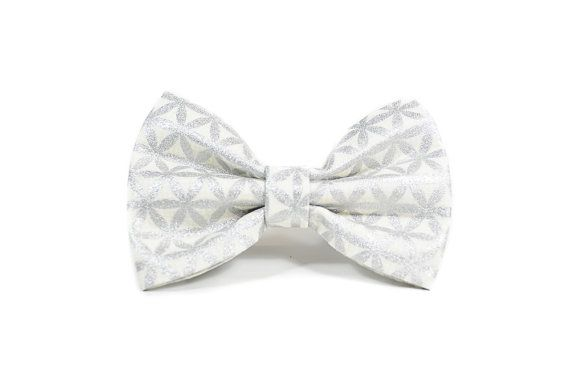 Wedding dog bow tie Collar Sold Separately. - attaches to any collar up to a 1.5 width with two double-sided velcro tabs - lined with interfacing to maintain structure and shape - available in a 3 width, 4 width or 5 widths which can be chosen based on your preference. - pattern placement will vary slightly with each size  Hand wash and hand press as needed. Remove all collar accessories when pet is left unattended.  Made to order, ships in 1-2 weeks. Be sure to review our shop policies…