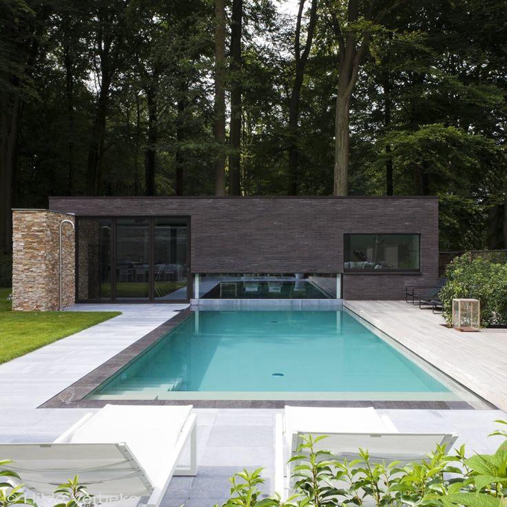 Strak design zwembad, combinatie onderloop- en overloopsysteem   #zwembad #pool #metamorphosia