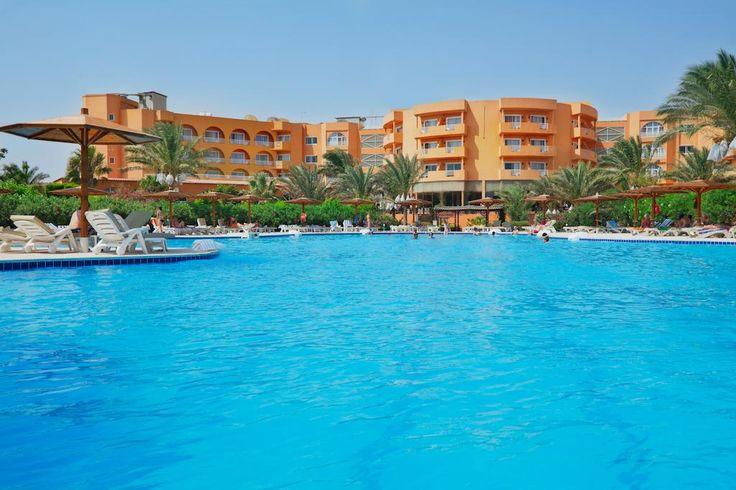 مشروبات و سناكس طول اليوم فى موفى جيت جولدن بيتش الغردقة Movie Gate Golden Beach Hurghada Golden Beach Beach Tours