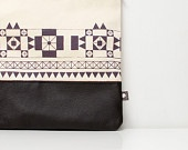 Con dibujos geométricos: Geometric Leather, Leather Pouch, Fallwint Style, Prints Leather, Skin Products, Pouch Bags, Fall Wint Style, Prints Pouch, Etsy Shops