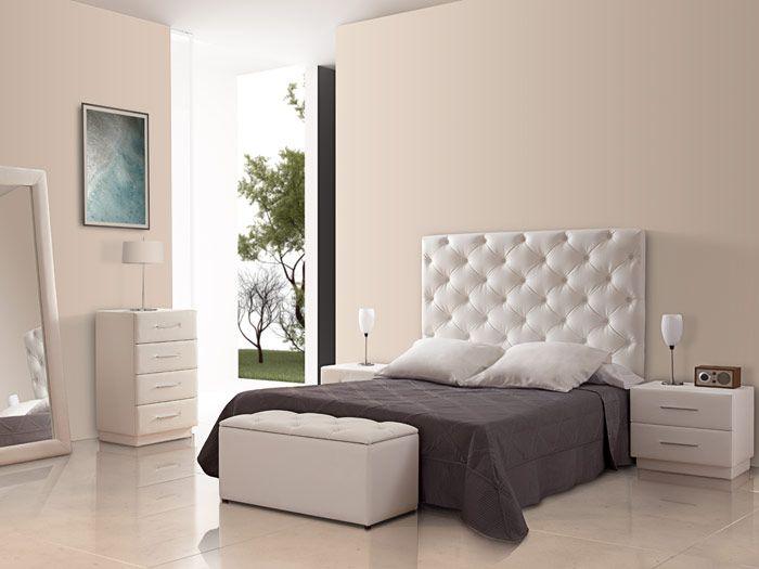 Amo esta cabecera de cama con el banco de los pies de la for Recamaras con cabecera tapizada