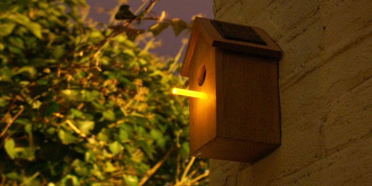 Studio OOOMS, solar birdhouse