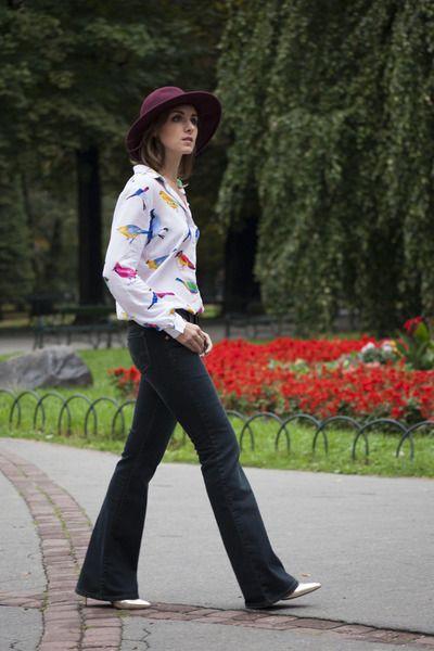Crimson Promod Hats, Navy Levis Jeans | Outlet Value Blog