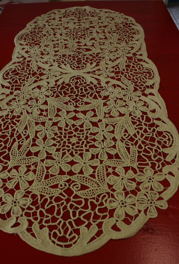 Beautiful hand made oval table cloth from 100% cotton macramé lace. Romanian point lace is a work of art, where several crochet, knitting,