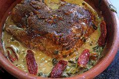 La bondiola es un corte de carne porcina correspondiente al pescuezo o cogote del animal. Cuando el cerdo se faena, suele co...