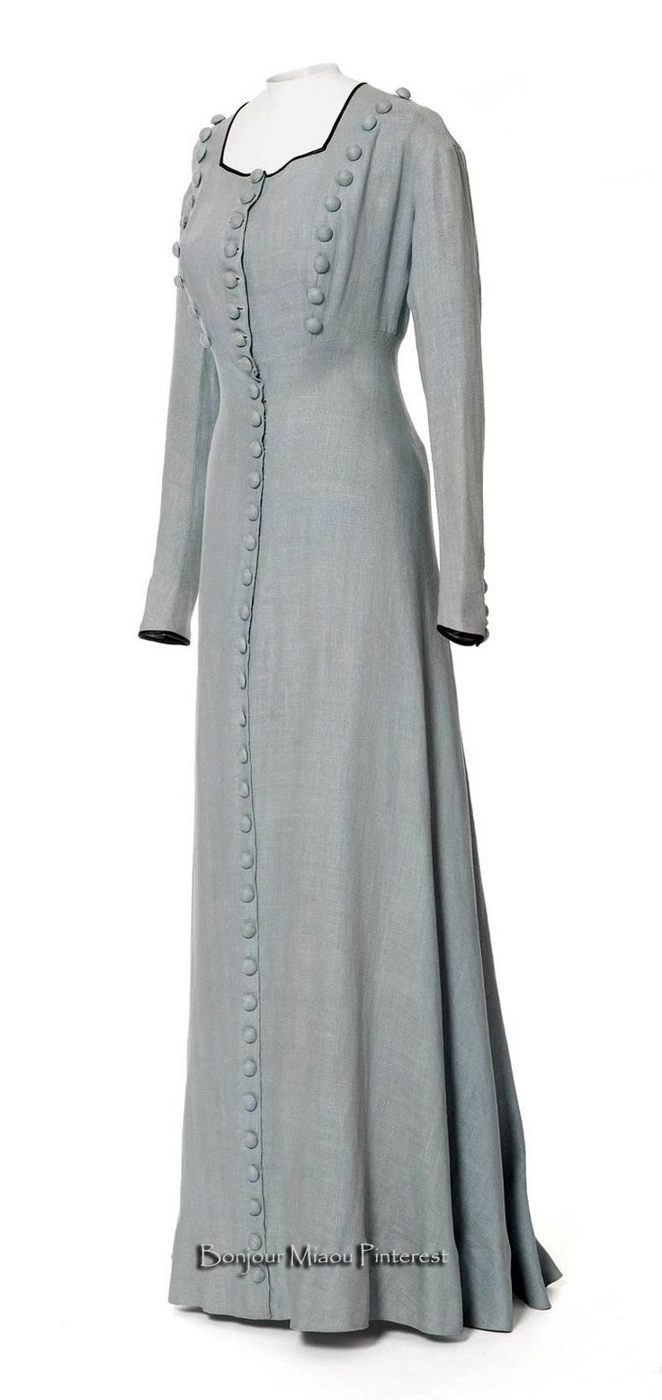 Dress, Poiret, 1907. Blue linen. Photo: Jean Tholance. Les Arts Décoratifs via Europeana Fashion