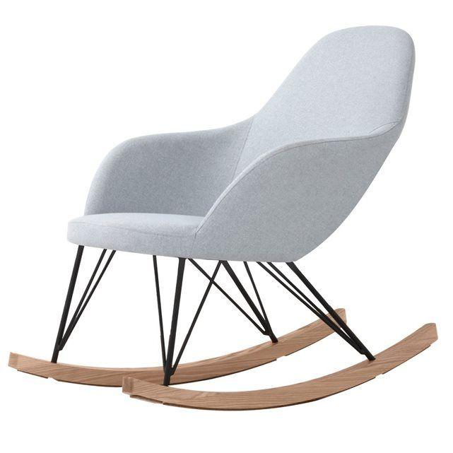 Prélassez-vous dans un Rocking chair Malibu ! Ce fauteuil design en tissu et de frêne est un modèle de confort. Grâce à son assise rembourrée de mousse haute densité, le fauteuil à bascule Malibu vous apporte votre dose de bien-être quotidienne. Il mesure L 67 x l 98 x H 89 cm et soutient ainsi parfaitement l'ensemble du dos. Son design intemporel est à l'aise dans toutes les décorations intérieures. Découvrez vite tous les autres coloris de ce fauteuil design à prix réduit ! - Détail...