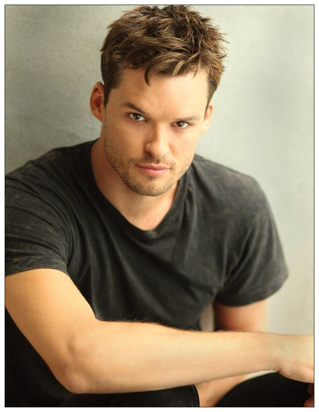 "AUSTIN ""HOTTIE"" NICHOLS Postcard Magnet - ONE TREE HILL"