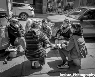 Group meeting in the middle of a sidewalk.  #street #streetphoto #streetphotograph #streetphotography streetphotographer #streetart #photoprorn #girls #vans #strangers #montreal #mtl by _loviste_photography