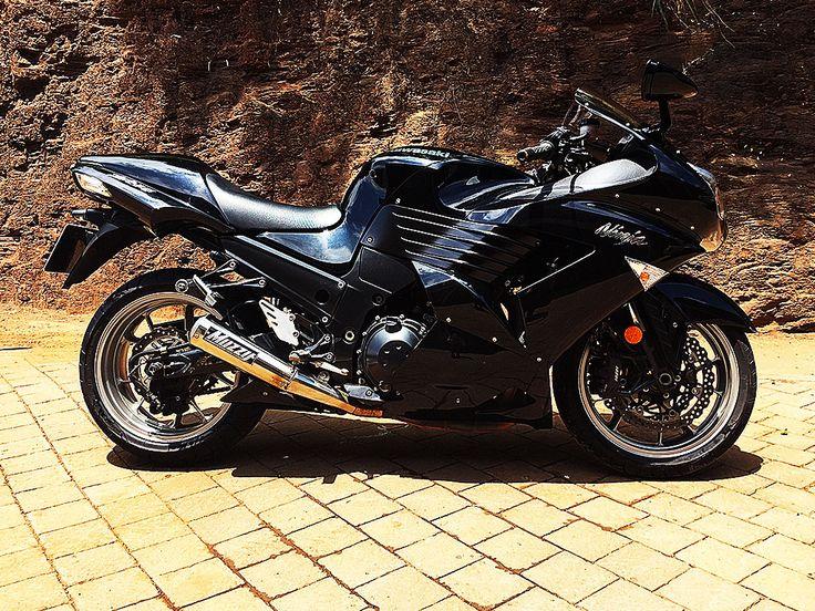 The Shadow | Kawasaki Ninja ZX1400 painted by PAZ.