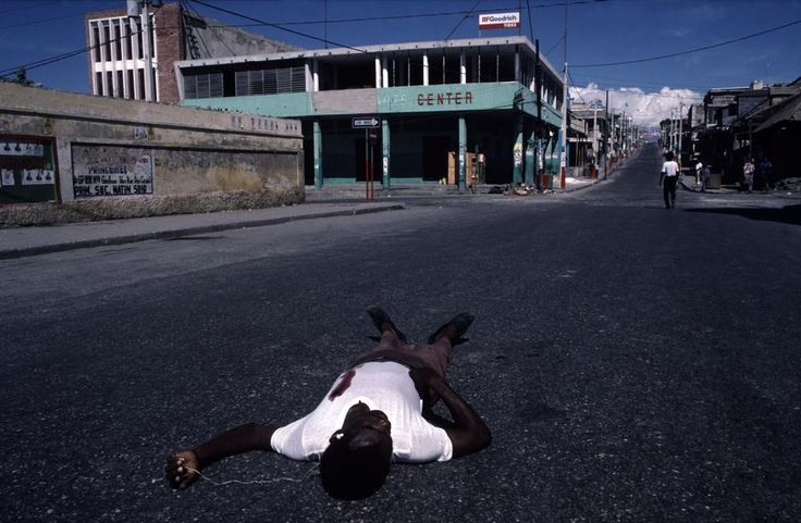 Alex Webb HAITI. Port-au-Prince. 1987. Election day.