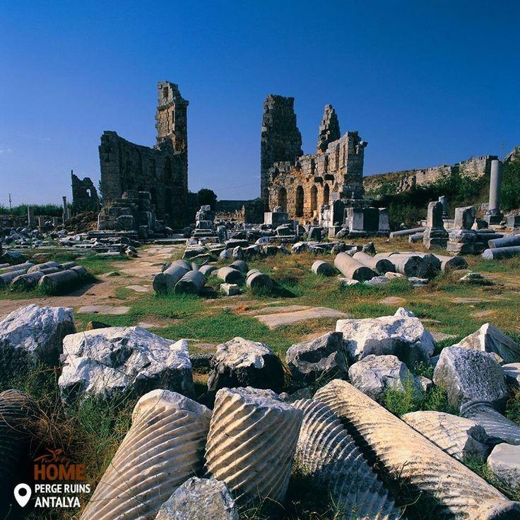 Агора в Перге належить до біблійної епохи та є однією з найнеймовірніших пам'яток, які ви коли-небудь бачили!