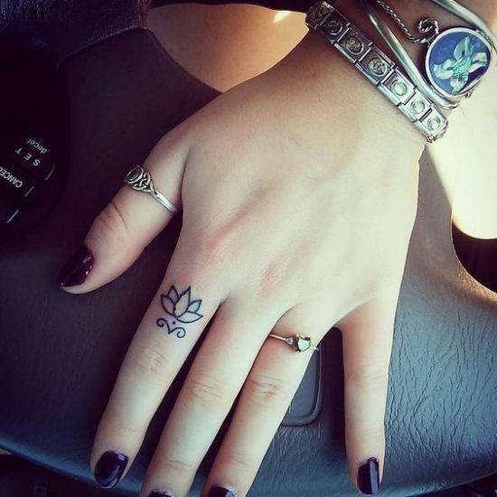 Tatuagem no dedo: 45 ideias de desenhos lindos | MdeMulher