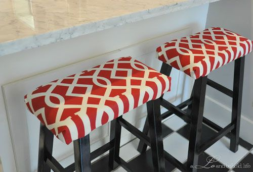 DIY Decorating Ideas: Add style and comfort to plain wooden bar stools by cushioning them with foam padding and upholstering them in a fun fabric. Padded Kitchen Bar Stools Tutorial