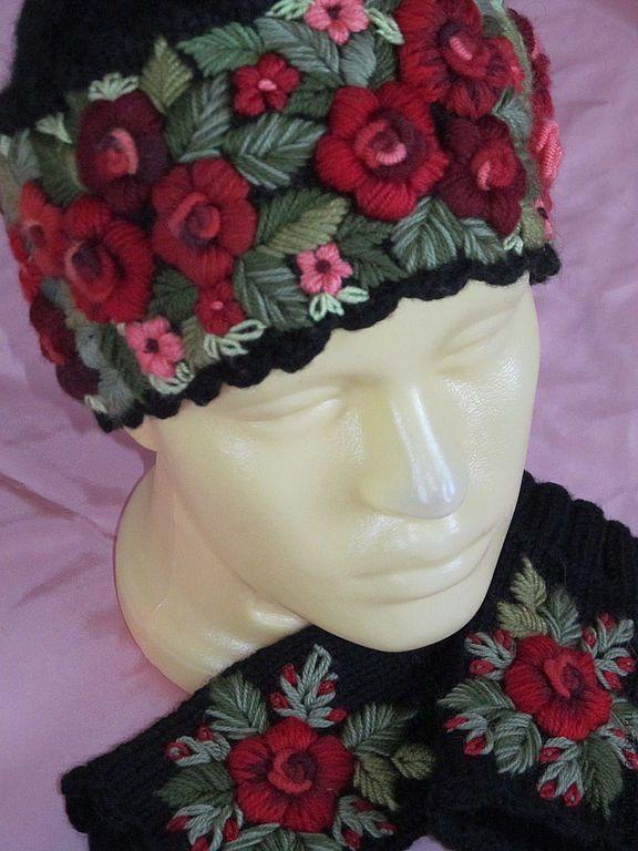 Купить Женская шапочка с ручной вышивкой черная - черный, вязаная шапочка, шапочка вязаная, вышивка