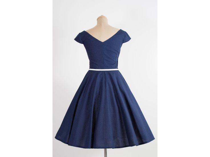 LOREN retro šaty tmavě modré s mini puntíkem. šaty mají V výstřih na předním i zadním díle kolová sukně dlouhá 60 cm zip na pravé straně materiál 100% bavlna skladem velikost 42