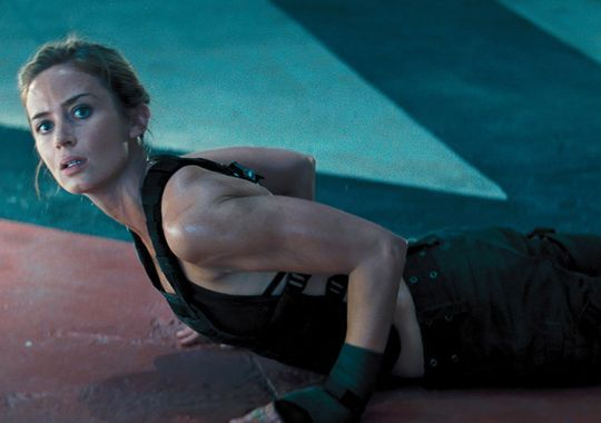 USA TODAY Life has your first look at Tom Cruise and Emily Blunt in Edge of Tomorrow!