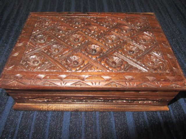 Are you looking for a gorgeous quality timber Jewellery/Memento's Box.  We have this up for auction in our Ebay Shop, starting at the bargain price of just 99c http://stores.ebay.com.au/Generations-Apart