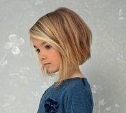 Mädchen-Haarschnitt. Bob. Mädchen Frisuren Kinder kurz. Kurze Haarschnitte wie Bob und P
