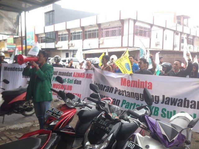 Kepemimpinan Azhar Arsyad Di PKB Di Protes Kader