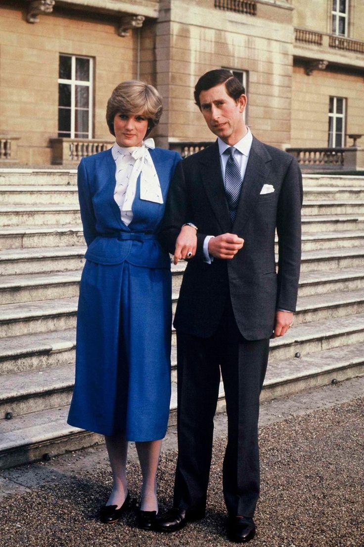 El anillo de compromiso que el príncipe William entregó a Kate Middleton perteneció a Diana de Gales. La joya está formada por un fabuloso zafiro azul de 18 quilates, rodeado por 14 pequeños diamantes (Getty Images)