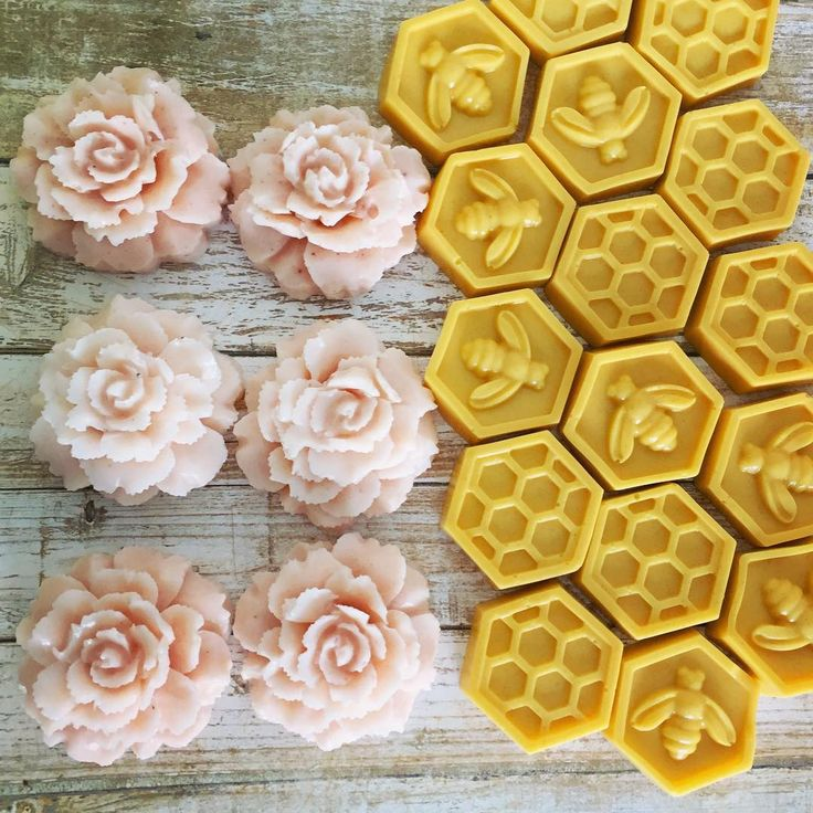 Love this moment with these soaps for #customers ❤️ This morning I made lots of different goat milk #soaps using pure essential oils, clays, dried herbs etc! Smells so amazing 😍🌹 #beehive #bee #honey #honeycomb beetsandapples#pretty #quotes #nova #virginia #soapshare #virginiaisforlovers #startup #smallbusiness #etsyfinds #etsyshop #etsyseller #motivation #inspiration #flowergram #flower #passion #love #candle #dream #magnolia #work #workhard #❤️ #dreambig #magnolia #dc #dcsmallbusiness