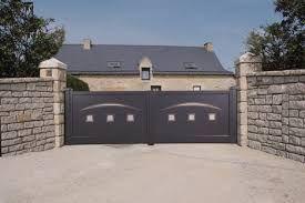 """Résultat de recherche d'images pour """"portail coulissant contemporain en fer"""""""