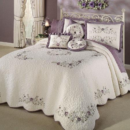 Purple Vintage Bloom Bedspread