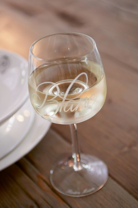 €9,95 Blanc Wine Glass #living #interior #rivieramaison