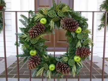 Colonial Christmas Wreath