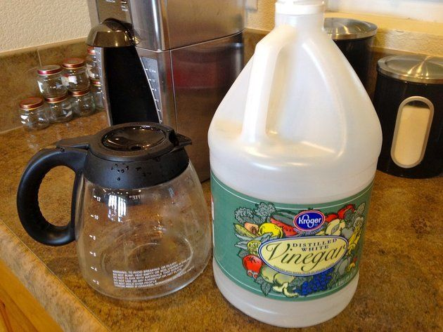New Coffee Maker Vinegar : 1000+ ideas about Coffee Pot Cleaning on Pinterest Vinegar shower cleaner, Cleaning with ...