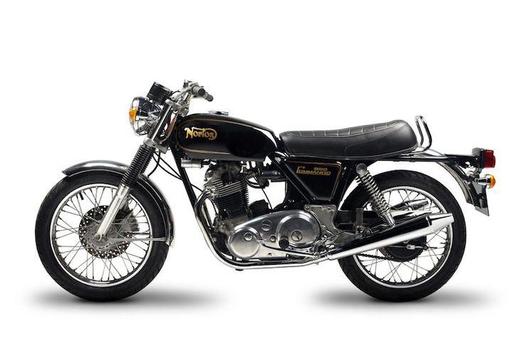 Norton-Commando-1974-03-side