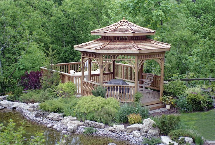 This two tiered cedar shingled 12 foot gazebo was built in year two of Hickory Dickory Decks when we were just starting out, in 1988. It is in downtown Toronto on a beautiful city lot.