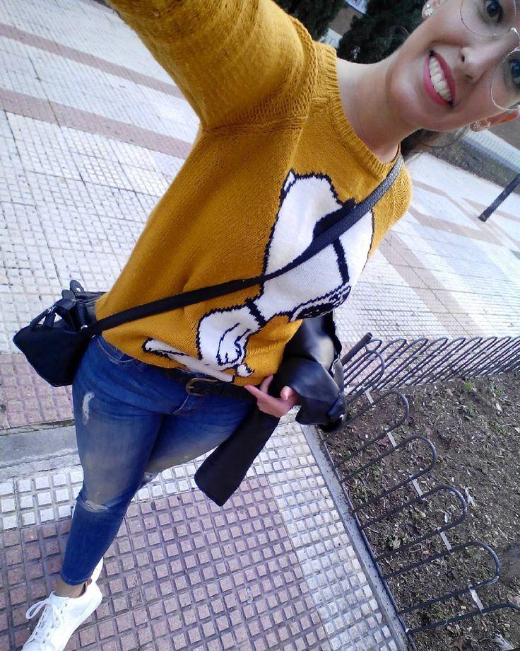 Snoopy me ha acompañado hoy en mis compras  por muchos años que tenga sigo adorando este jersey Jaja . Vaquero (rebajas) y zapatillas (las tenéis de nuevo en tienda) @stradivarius Jersey y bolso (old) Gafas @mo_multiopticas (new ahora tenéis de nuevo la promoción de 2 gafas a 77 ) . #estilosinderroche #look #mylook #instalook #instastreet #lookbook #lookoftheday #photooftheday #looktoday #lookdiario #mihonua #picoftheday #fashion #itgirls #instafashion #igers #instastyle #instablog #blog…