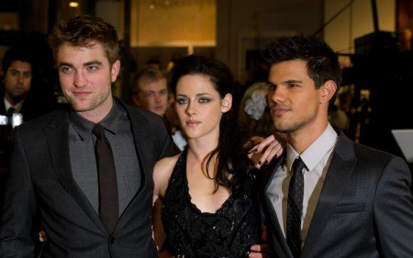 """BOMBA: Rob Pattinson e Kristen Stewart não farão parte do último encontro de """"Crepúsculo"""" - Amiga, que Bafo! - CAPRICHO"""