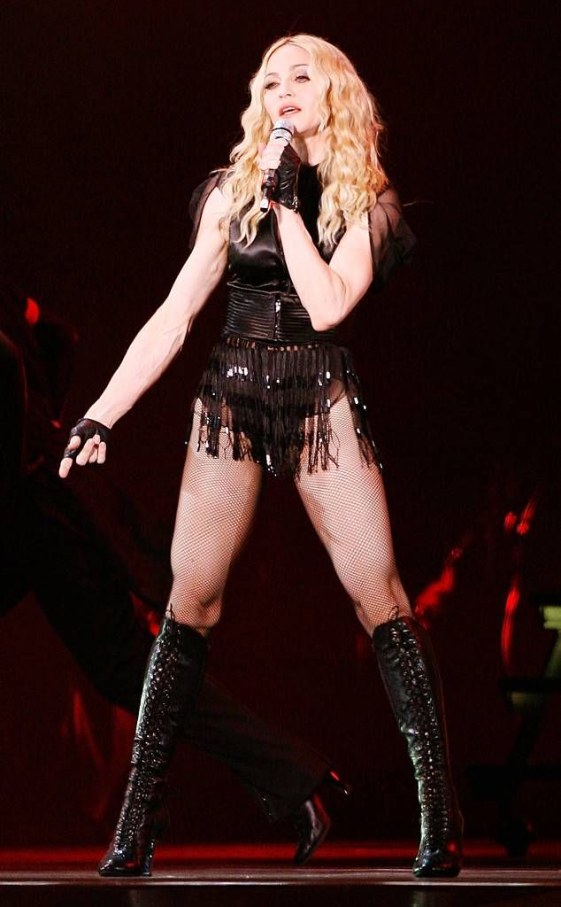 Evita Premiere From Madonna S 60 Most Iconic Looks Madonna Mtv Video Music Award Mtv Videos