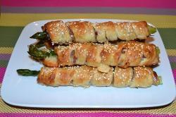 » Asparagi avvolti in pasta sfoglia - Ricetta Asparagi avvolti in pasta sfoglia di Misya