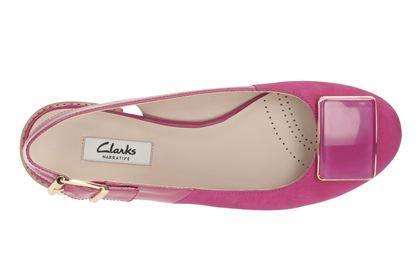 Die pinkfarbenen Ballerinas sind edle Damenschuhe mit Fersenriemen, verstellbarer Goldschnalle und einem bequemen, schicken 1,5 cm hohen Blockabsatz. Bestellen Sie jetzt die Sling-Back Ballerinas Festival Fizz von Clarks für 110,00 Euro: http://www.clarks.de/p/26115564