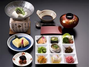 Hirashin Ryokan Hotel  Japanese breakfast