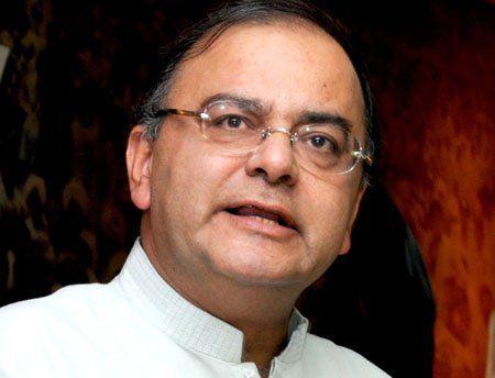केंद्रीय वित्त मंत्री अरुण जेटली ने मंगलवार को राजनीतिक फंडिंग के फर्जीवाड़े को लेकर आम आदमी पार्टी पर प्रहार किया है