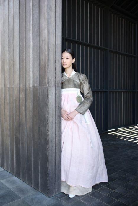 한복 Hanbok / Traditional Korean dress