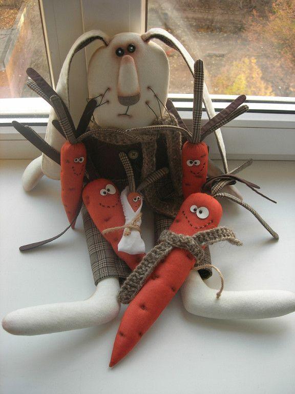 кукла из ткани счастливый заяц в морковках