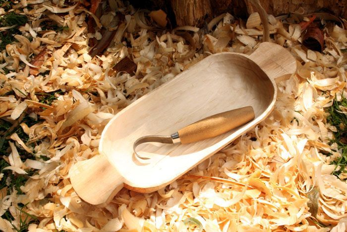 Carving a bowl from a log -  bushcraft tutorial - jonsbushcraft.com