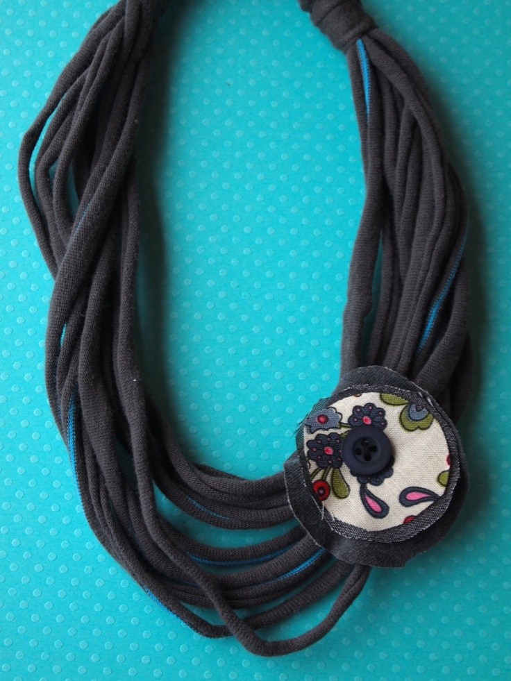 Collares de trapillo con flores de tela collares de tela pinterest trapillo originals and - Flores de telas hechas a mano ...