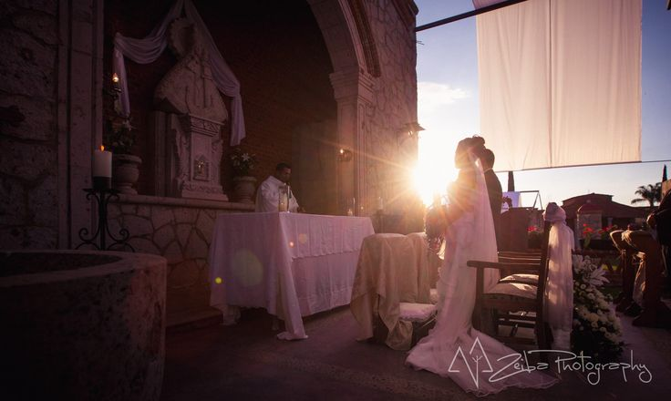 Zeiba Photography – Destination Weddings in the Yucatan Peninsula. Magical moment during the wedding ceremony