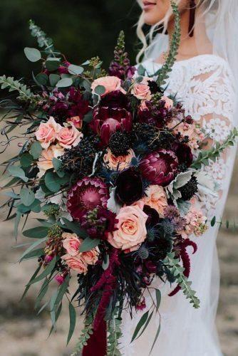 Chic Bohemian Wedding Theme Ideas ★ böhmische Hochzeitsthema Burgunder Blumen in …   – Dream wedding