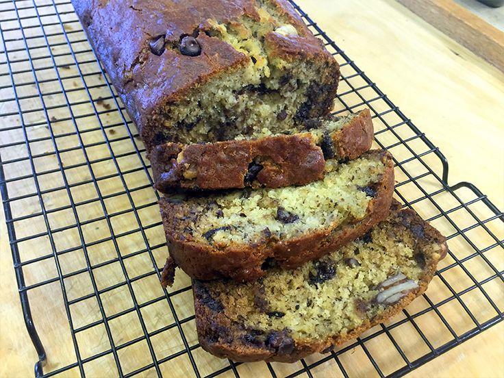 La video ricetta banana bread con noci e cioccolato (plumcake alla banana)