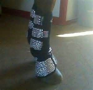 I think I will do this for my horses boots when I go to compete in Texas! (: