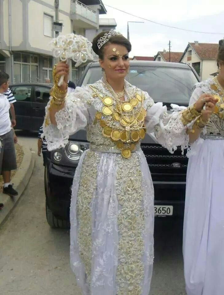 Albanian dating customs